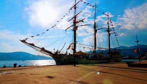 הספינה בטיווט